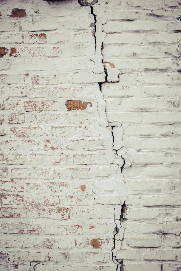 Fissure de mur, Fissure de mur