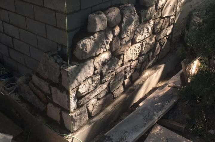 pierre naturelle, Mur de pierre naturelle